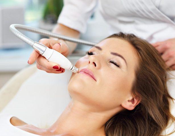 Лазерная косметология в Москве - процедуры по омоложению лица в клинике Абсолют Мед